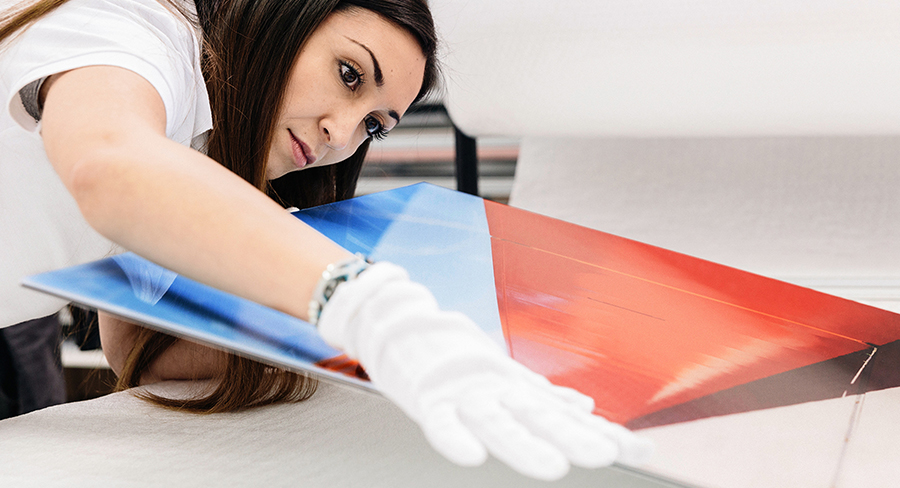 Cleaning tips for acrylic artworks