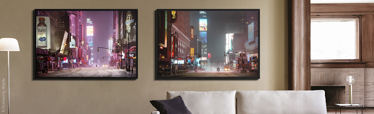 Christophe Jacrot: Man in times square (l.), Couple in times square (r.)