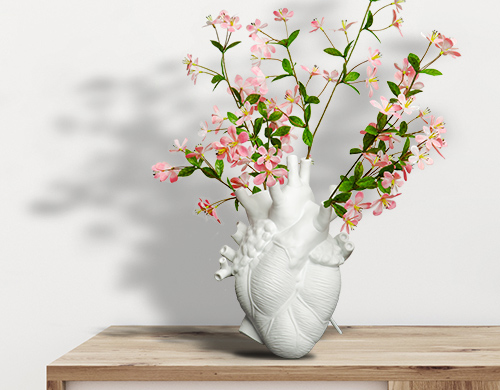 Heart-shaped flower vase by Marcantonio