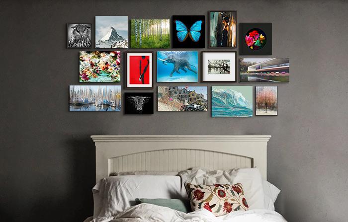 Hängung mit kleinen Wandbildern